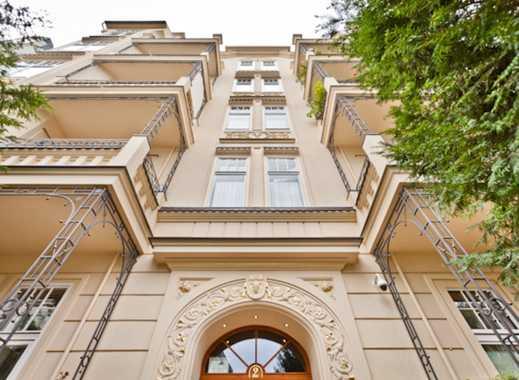CITY-CONCEPT: Möbliertes Luxusaltbauapartment nahe Viktoria-Luise-Platz mit Sicherheitskonzept