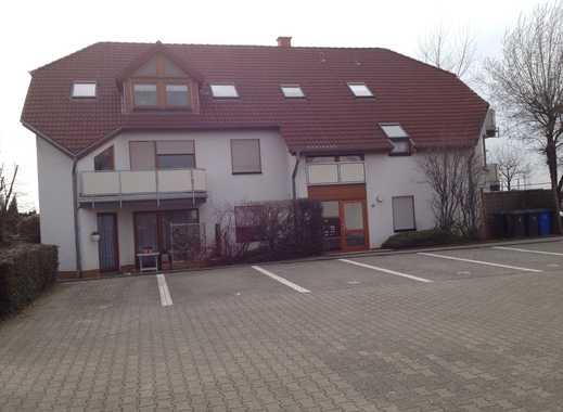 moderne renovierte Wohnung mit Sonnenbalkon und EBK in schöner Lage Wesseling
