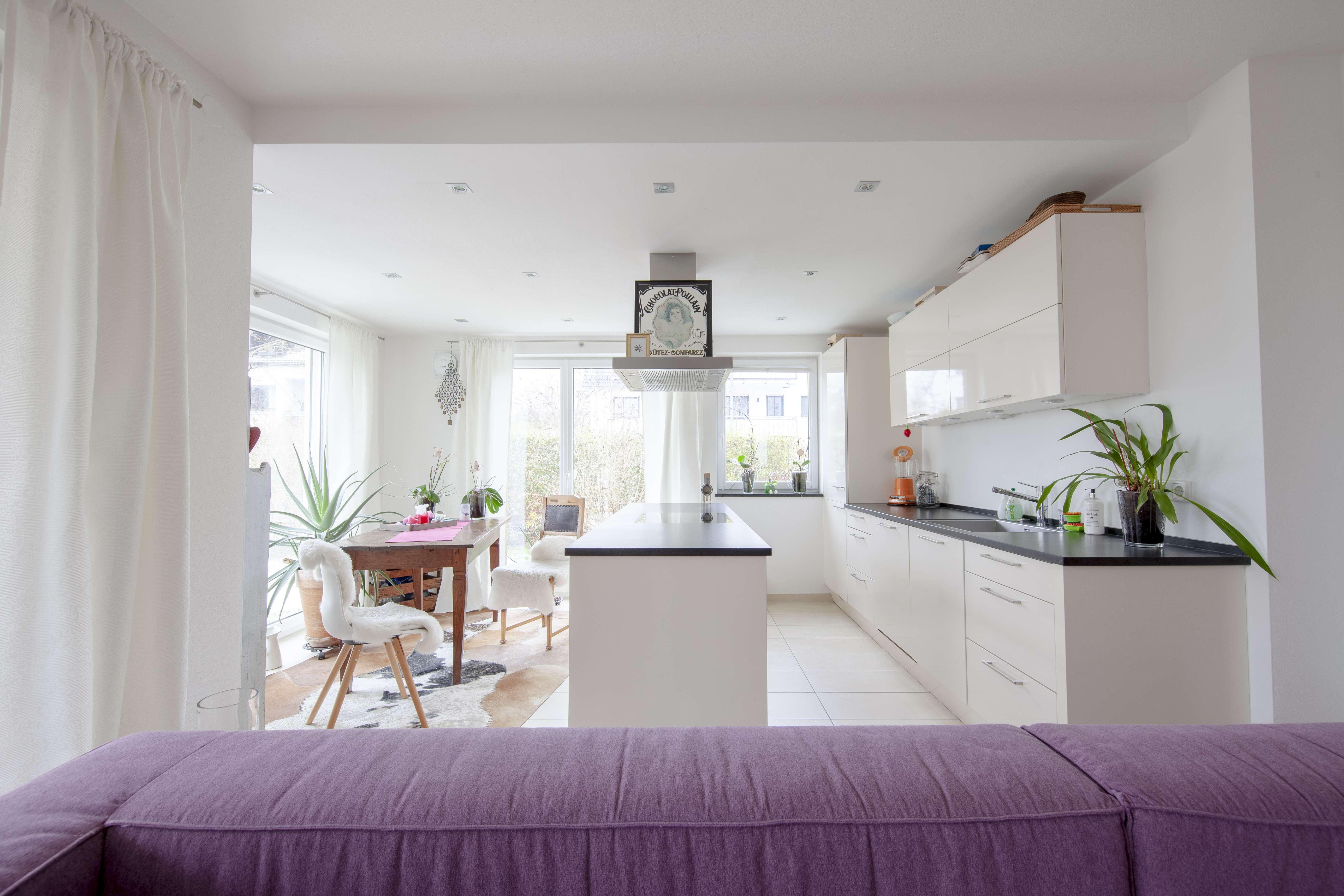 2.100 €, 85 m², 3 Zimmer in