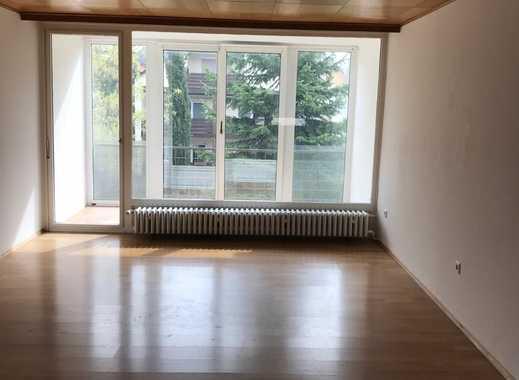 Sehr gut geschnittene helle 3 Zimmer Wohnung
