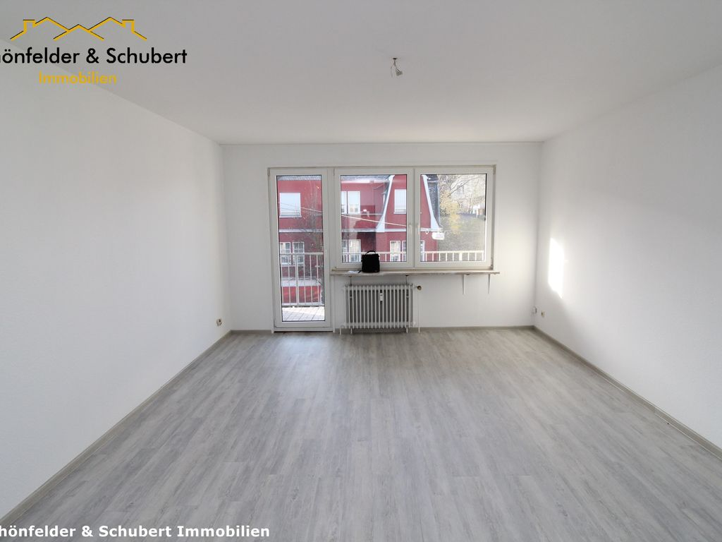 Wohn-/Schlafraum mit Balkon