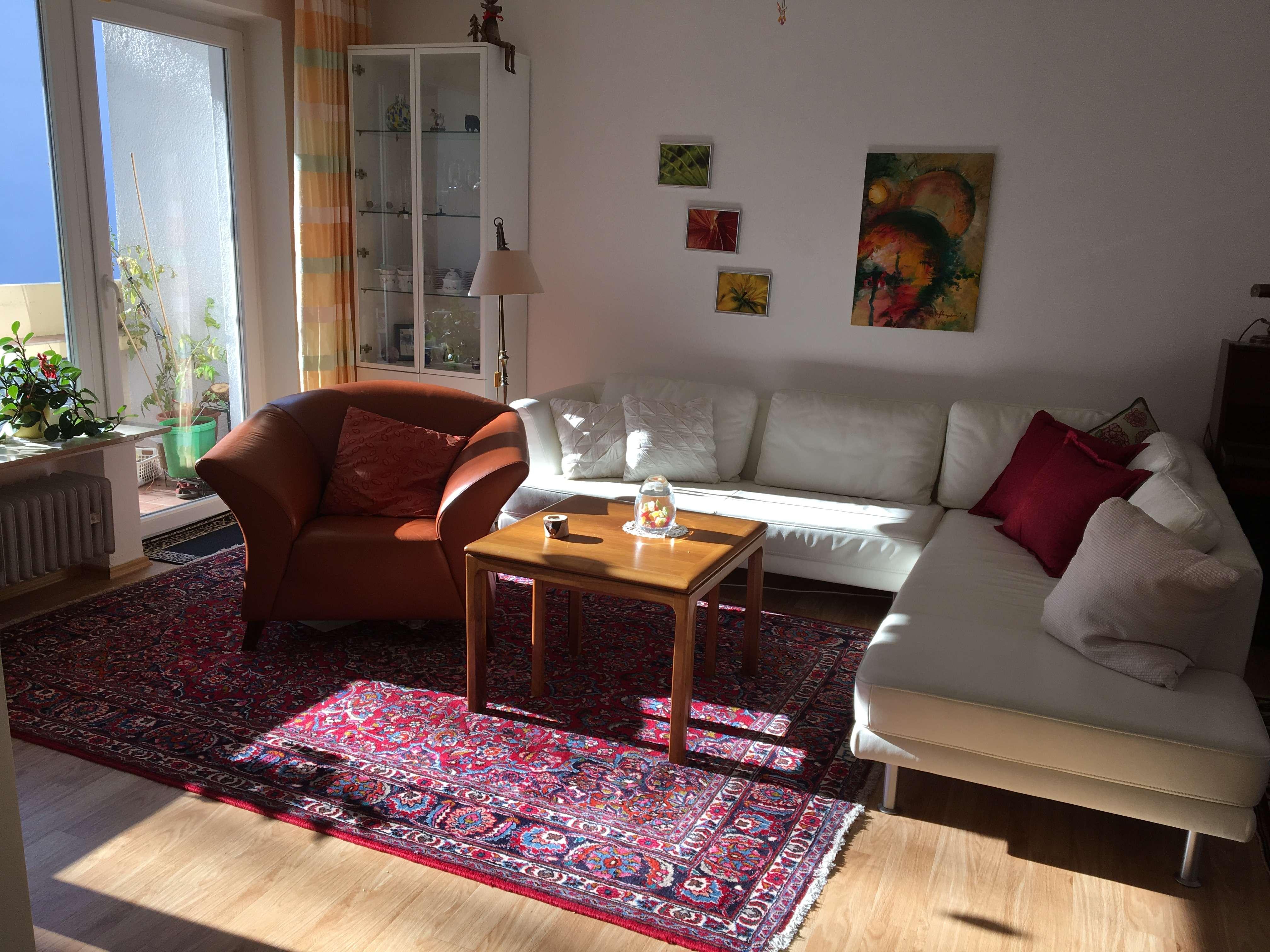 Ruhige, geräumige 4-Zimmer-Wohnung nahe S-Bahn Planegg in Krailling (Starnberg)