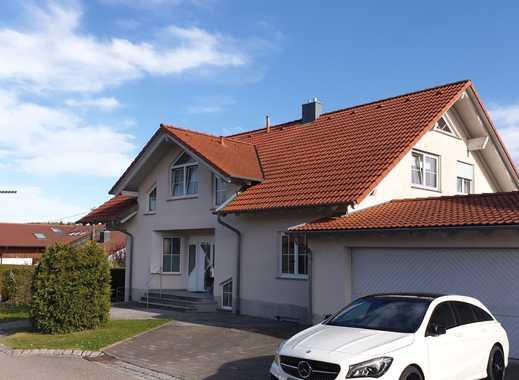 Sehr gepflegte, nett geschnittene 3 1/2-Zimmerwohnung mit EBK, Garage und Balkon in Bartholomä