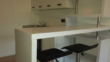 Exklusive, vollständig renovierte 1-Zimmer-Wohnung mit Balkon in Schwabing - bis zum 31.12.2020! in Schwabing (München)