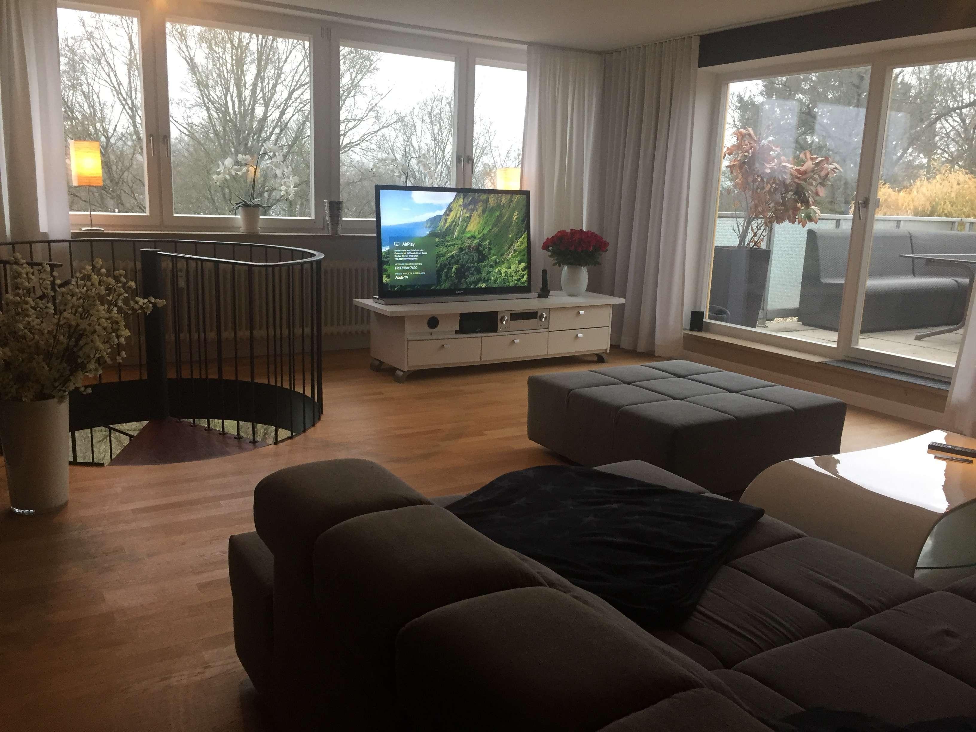 Exklusives Wohnen auf zwei Ebenen mit Dachterrasse und wunderschöner Aussicht ins Grüne in Großprüfening-Königswiesen-Dechbetten (Regensburg)