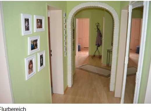 Gepflegte 3,5-Zimmer-Wohnung mit Balkon und EBK in Rendsburg