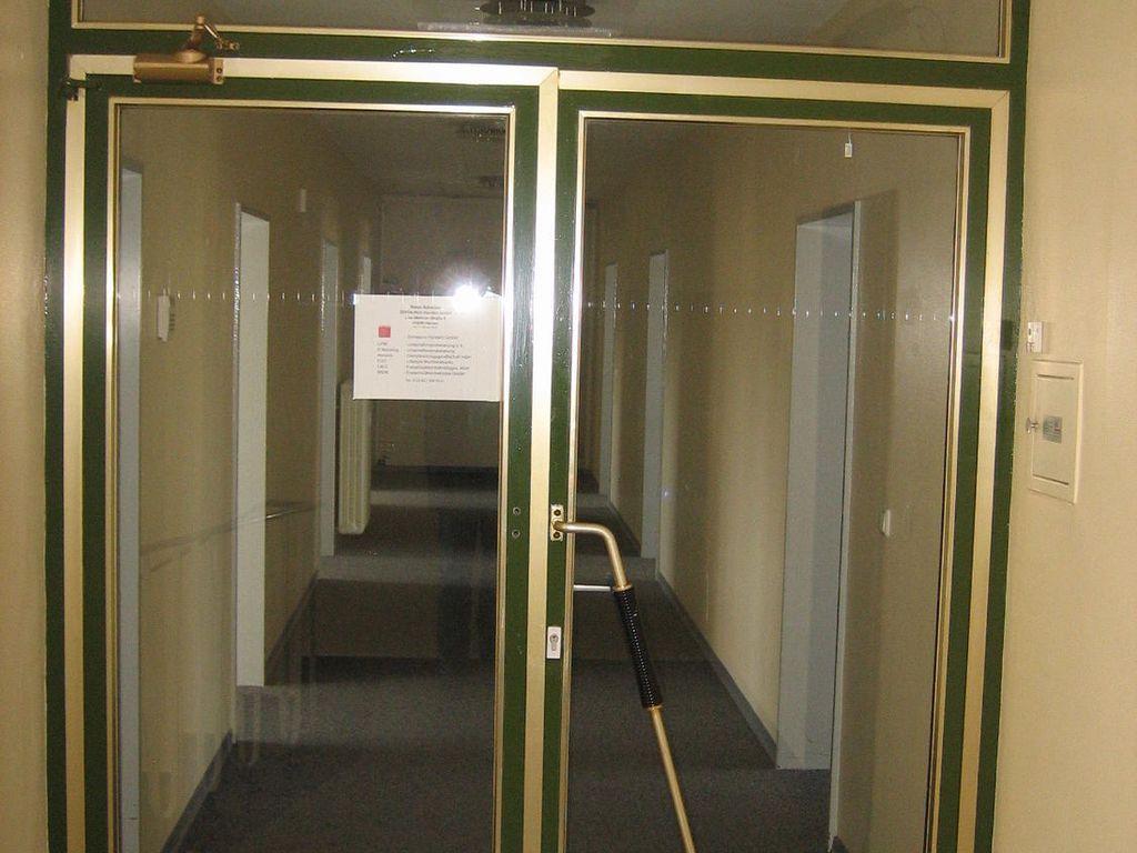 Eingangstür zur Bürofläche
