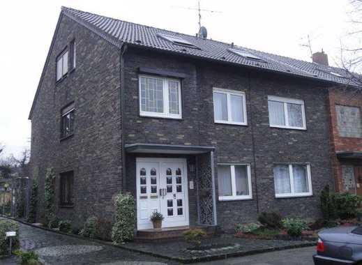 Für das junge Paar: Schöne, gemütliche 3-Zimmer-Dachgeschoss-Wohnung in DU-Bergheim zu vermieten