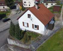 Sanierungsbedürftiges Wohnhaus in dörflicher Randlage