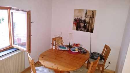 Gepflegte 3,5-Raum-Wohnung mit Einbauküche in Erlangen in Sieglitzhof (Erlangen)