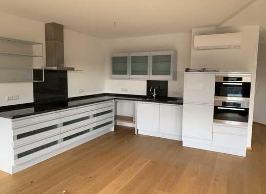 Stilvolle, neuwertige 5-Zimmer-Penthouse-Wohnung mit Balkon und Einbauküche in Erftstadt