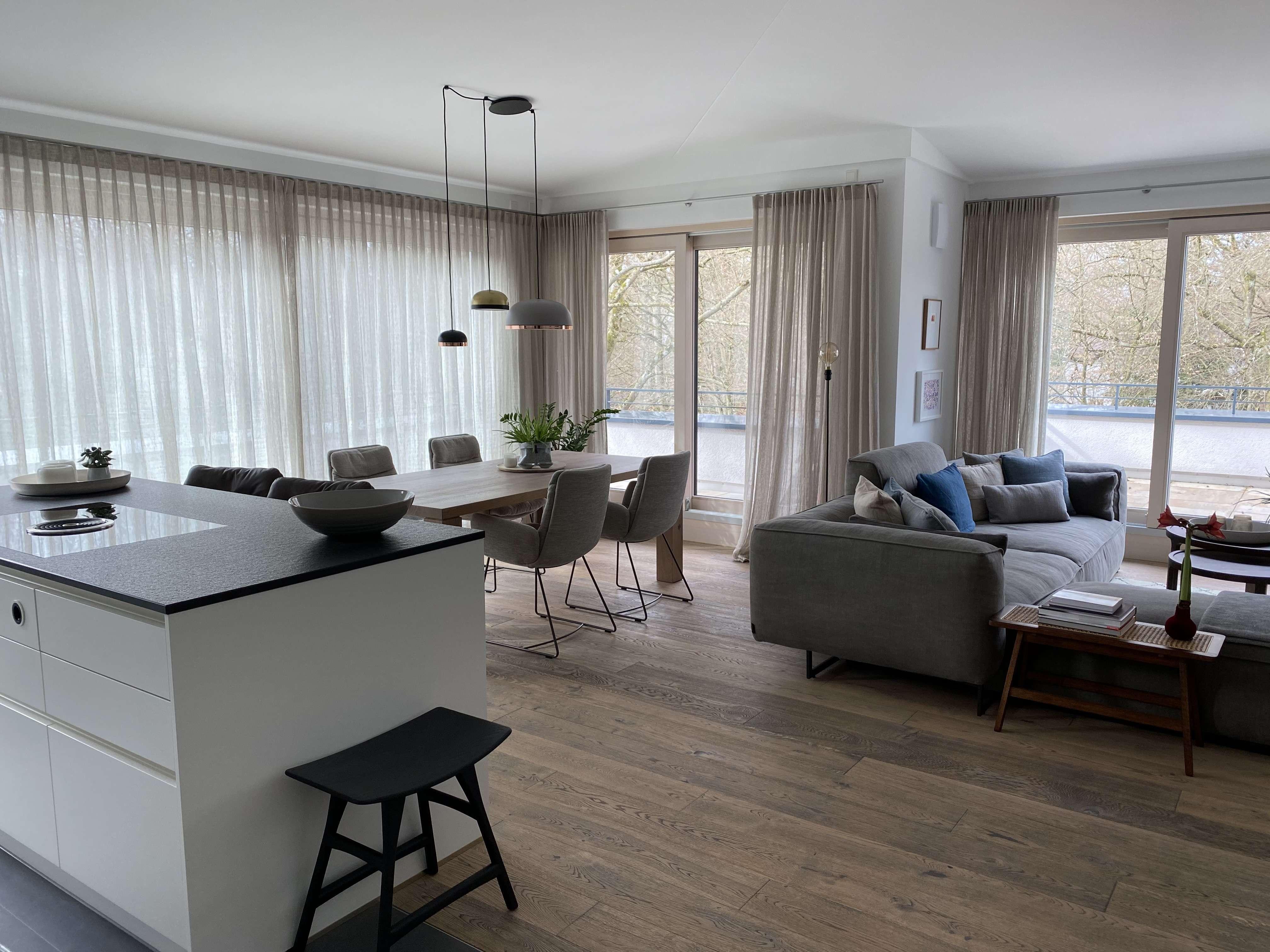 Edles Penthouse mit großer Dachterrassen und Sauna/Büro/Hobby im UG in Alt-Harlaching in