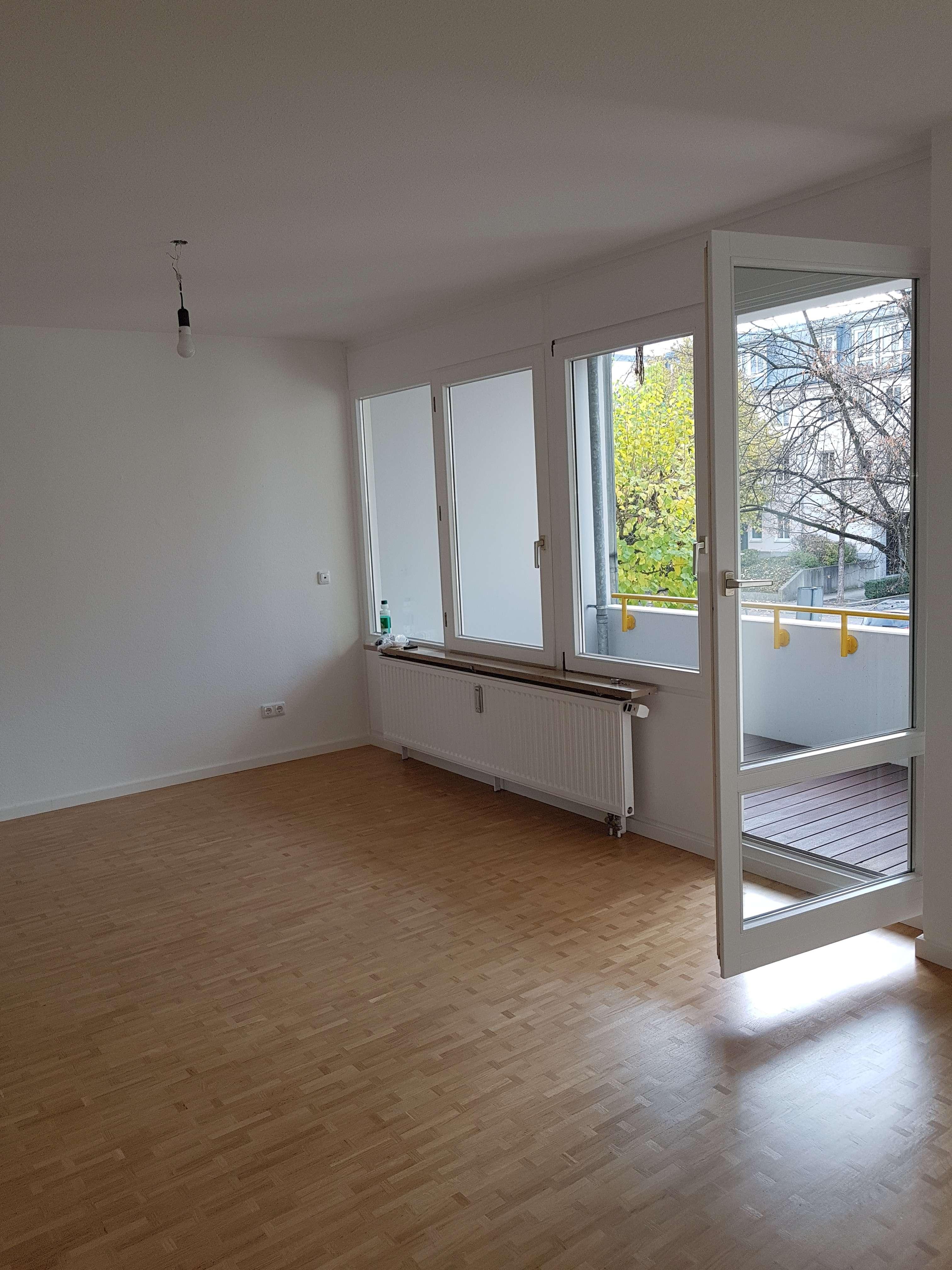 Renovierte 2-Zimmer-Wohnung mit Balkon in Johanneskirchen in Bogenhausen (München)