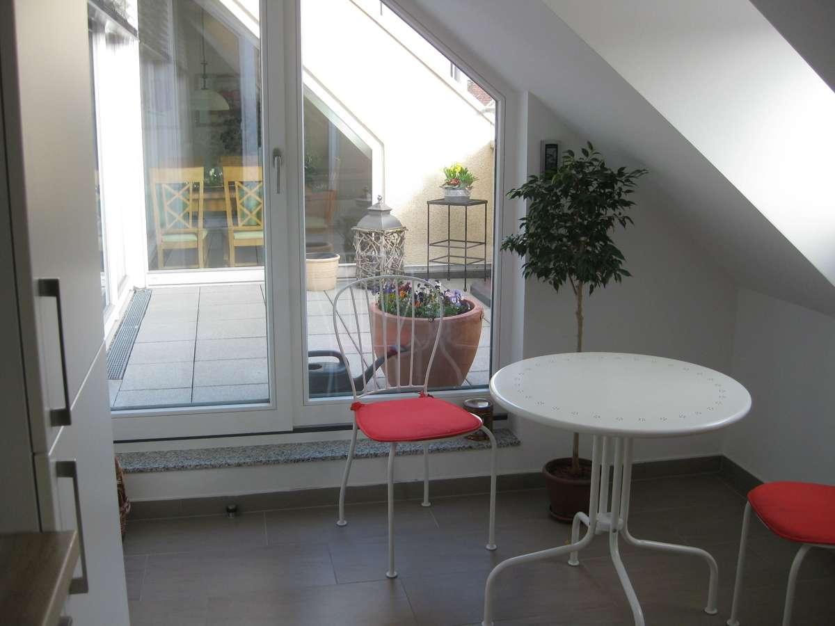 Blick Küche zur Terrasse