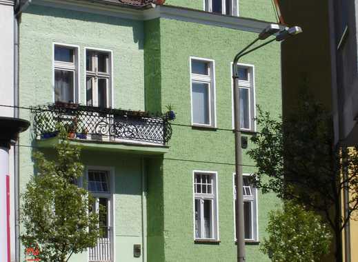 große 3 Zimmer Altbauwohnung mit Balkon WG geeignet