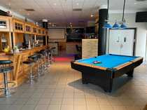 Billiard Bar Lounge mit Alkohol