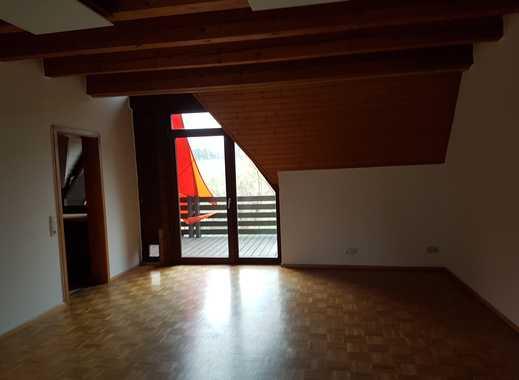 Günstige 3,5-Zimmer-Maisonette-Wohnung mit Balkon und Einbauküche in Hüffenhardt