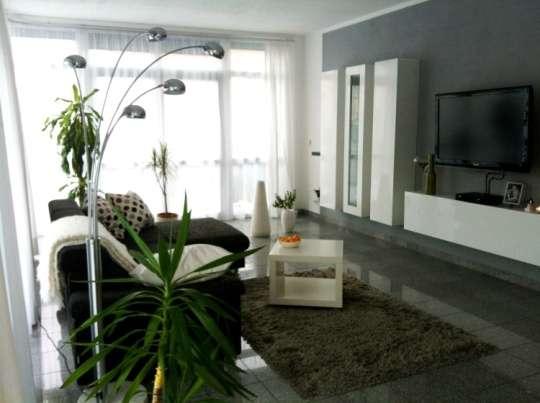 Wie ein Haus im Haus - Viel Platz, ein Garten und kurzfristig frei in