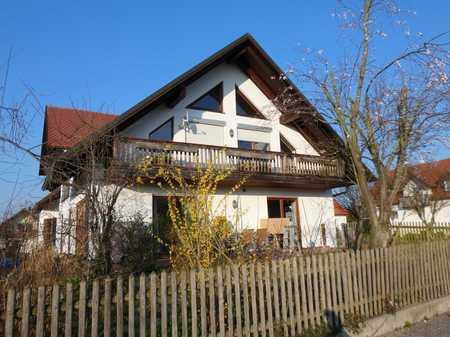 Große, top-3 Zi. DG.-Whg mit Balkon in Pörnbach