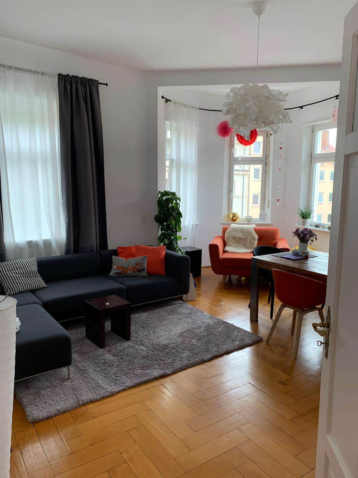 Charmante, hochwertig ausgestattete Altbauwohnung in zentraler Innenstadtlage in Augsburg-Innenstadt