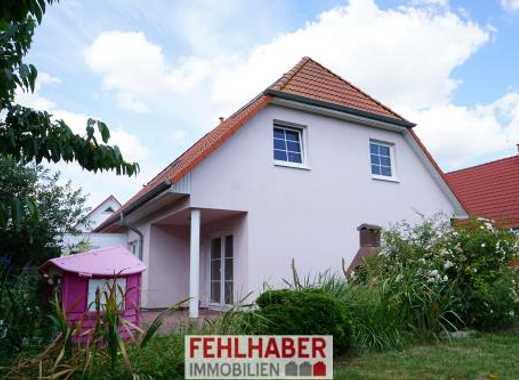 Ruhig und Zentrumsnah: Großes Einfamilienhaus mit Doppelgarage in Greifswald