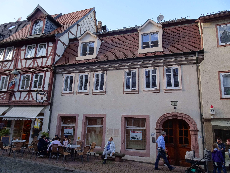 Günstige, vollständig renovierte 4-Zimmer-Wohnung mit Einbauküche in Miltenberg in Miltenberg
