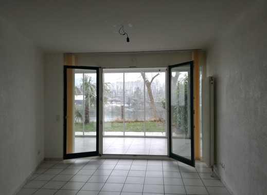 Echte Rarität! 2,5 Zimmer-Wohnung direkt am Rheinufer mit Terrasse, beheiztem Wintergarten und EBK