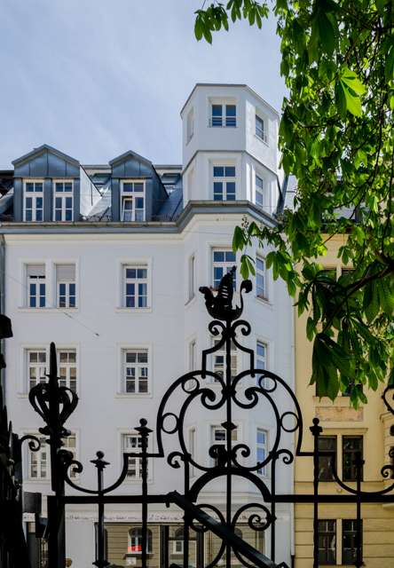 EXCLUSIVES LEHEL - außergewöhnliche Dachgeschoss-Maisonette-Wohnung,  mit großer Süd-Terrasse in Lehel (München)