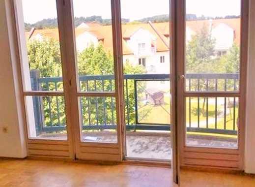 Sehr schöne 2-Zi.-DG-Wohnung mit großem Balkon, zentral in Garching an der Alz.