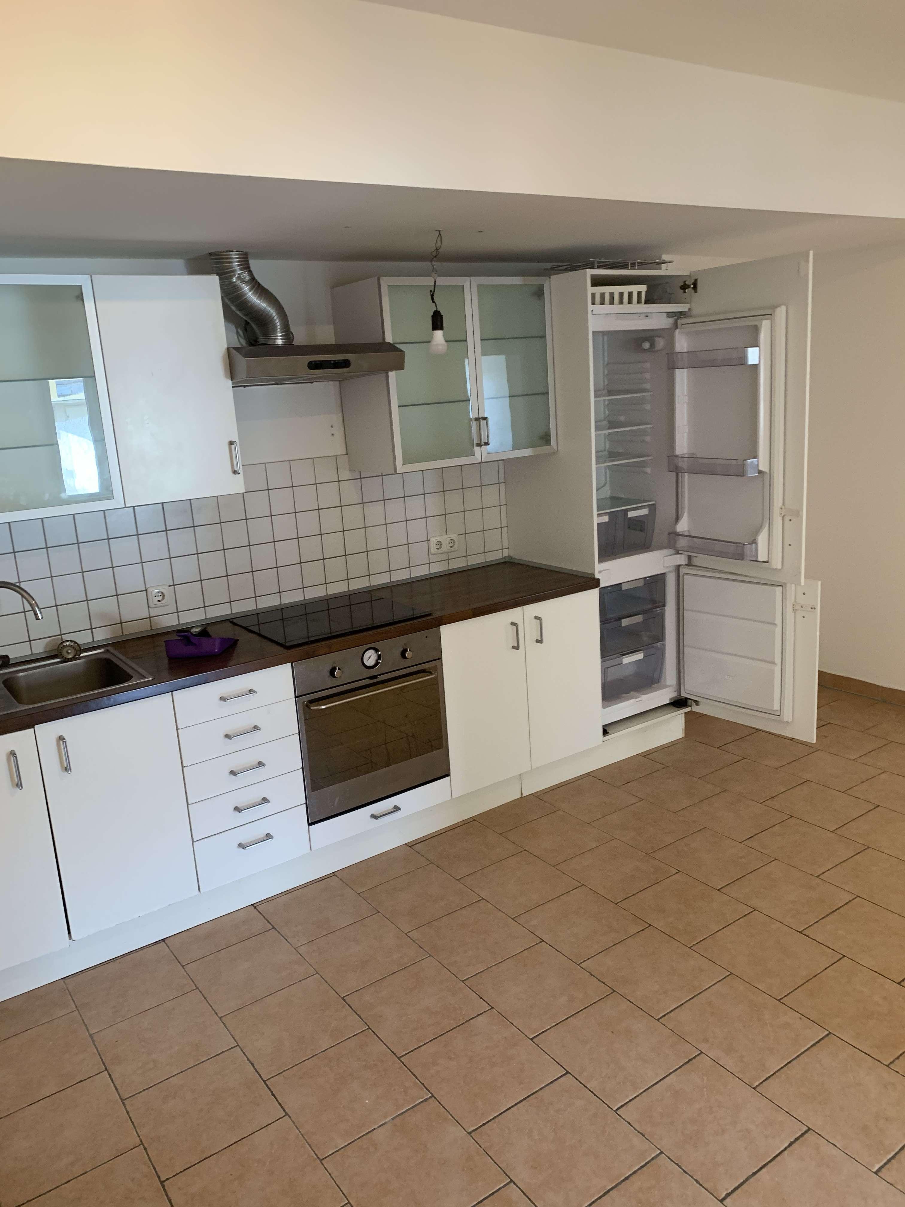 4er WG !! 4,5 ZKB Wohnung mit EBK in ruhiger Lage Nahe der Altstadt im Inneren Osten- 425,- warm p.Z