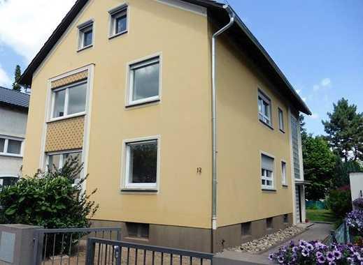 Lichtdurchflutete 3ZKBB Wohnung in 3 Familienhaus