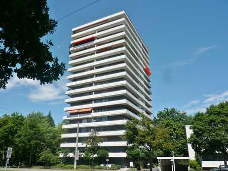 Für maximal 2 Personen: Gepfl. 2-ZI-WOHNUNG nahe Luitpoldhain mit Balkon und Top-Aussicht in Ludwigsfeld