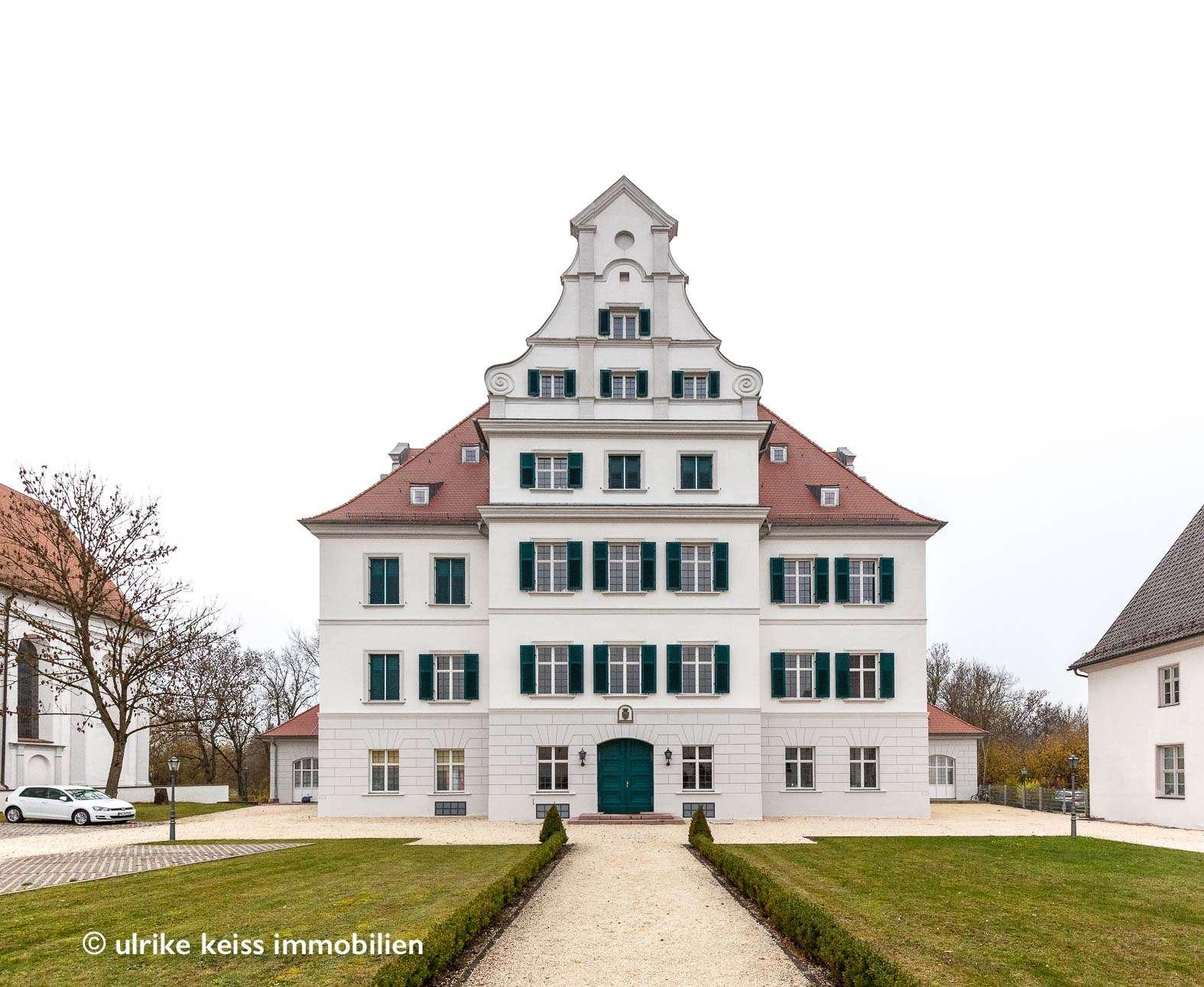 Lebenslust und Rückzugsort! Schönheit sucht Liebhaber/ -in! Westbalkon mit Blick ins Grüne, Stuck! in Krumbach (Schwaben)