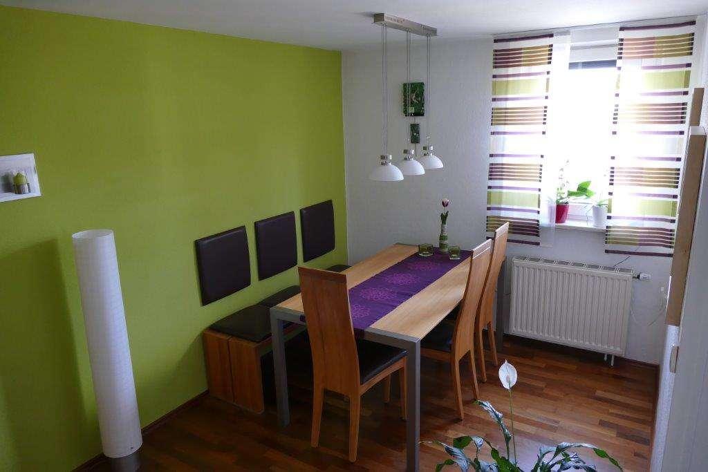 Modernisierte 4-Zimmer-Wohnung mit Balkon und Einbauküche in Mering