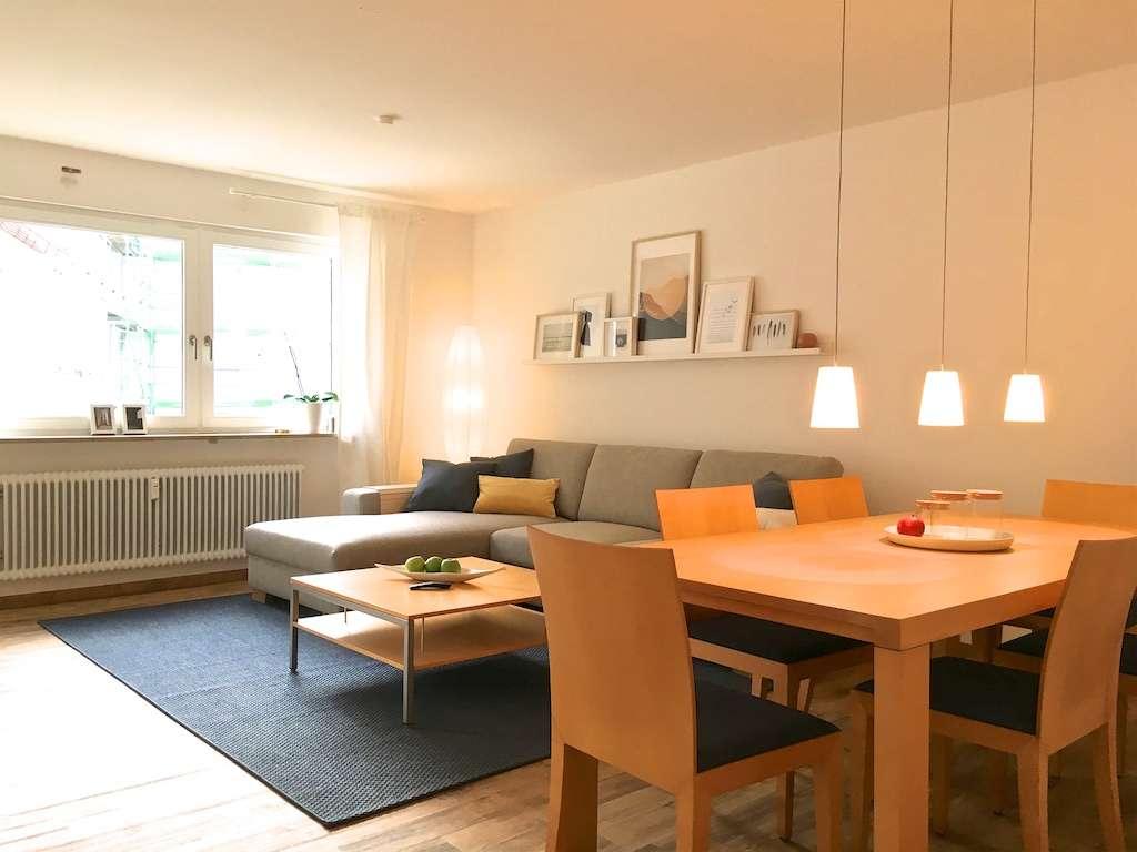 Geschmackvolle, gehoben möblierte 2-Zi-Wohnung mit Loggia und WLAN am Wöhrder See, inkl. Garage in Marienvorstadt (Nürnberg)
