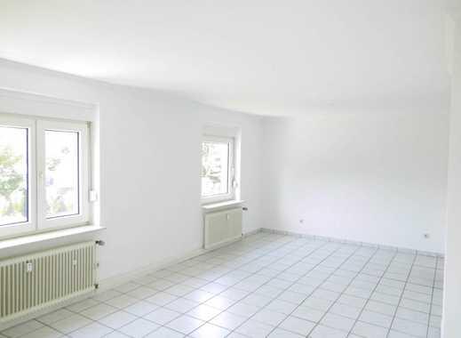 Top 2,5 Raum EG-Wohnung in angenehmer Wohnlage! Duschbad!