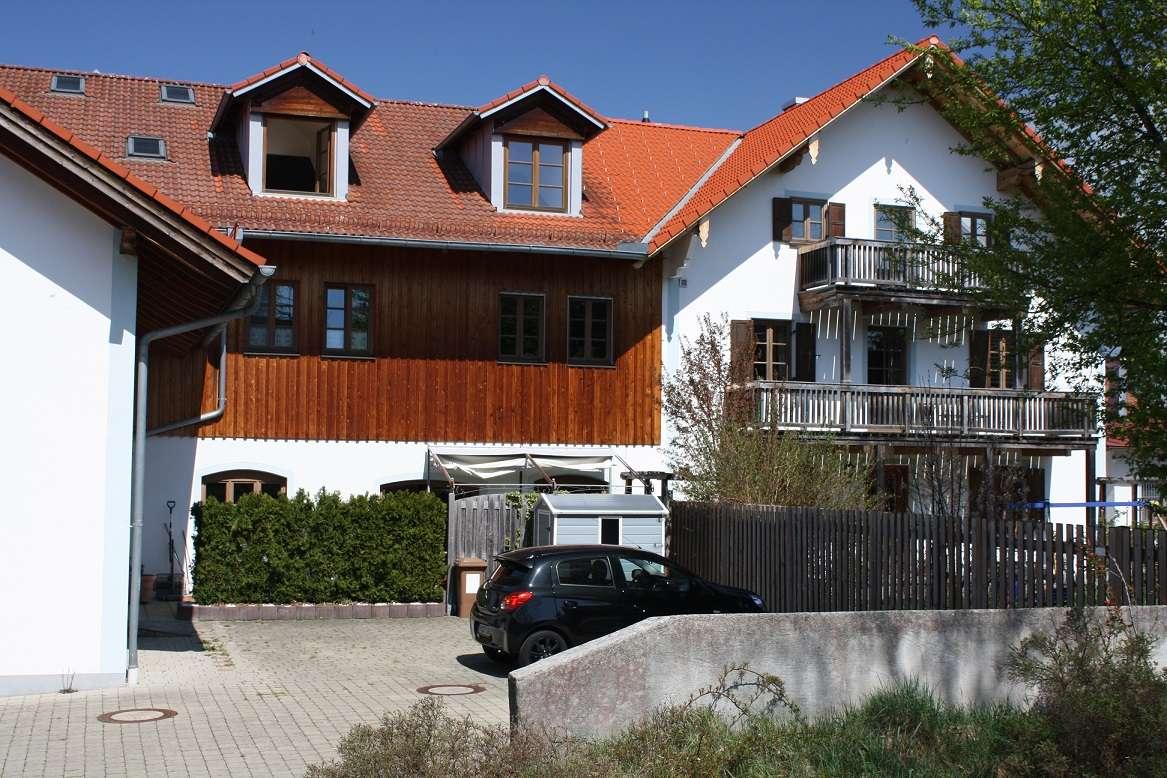 Wohnen & Arbeiten unter einem Dach! 3-Zi.-Maisonettewohnung (ca. 130 m²) + Gewerbeeinheit (ca.84 m²)