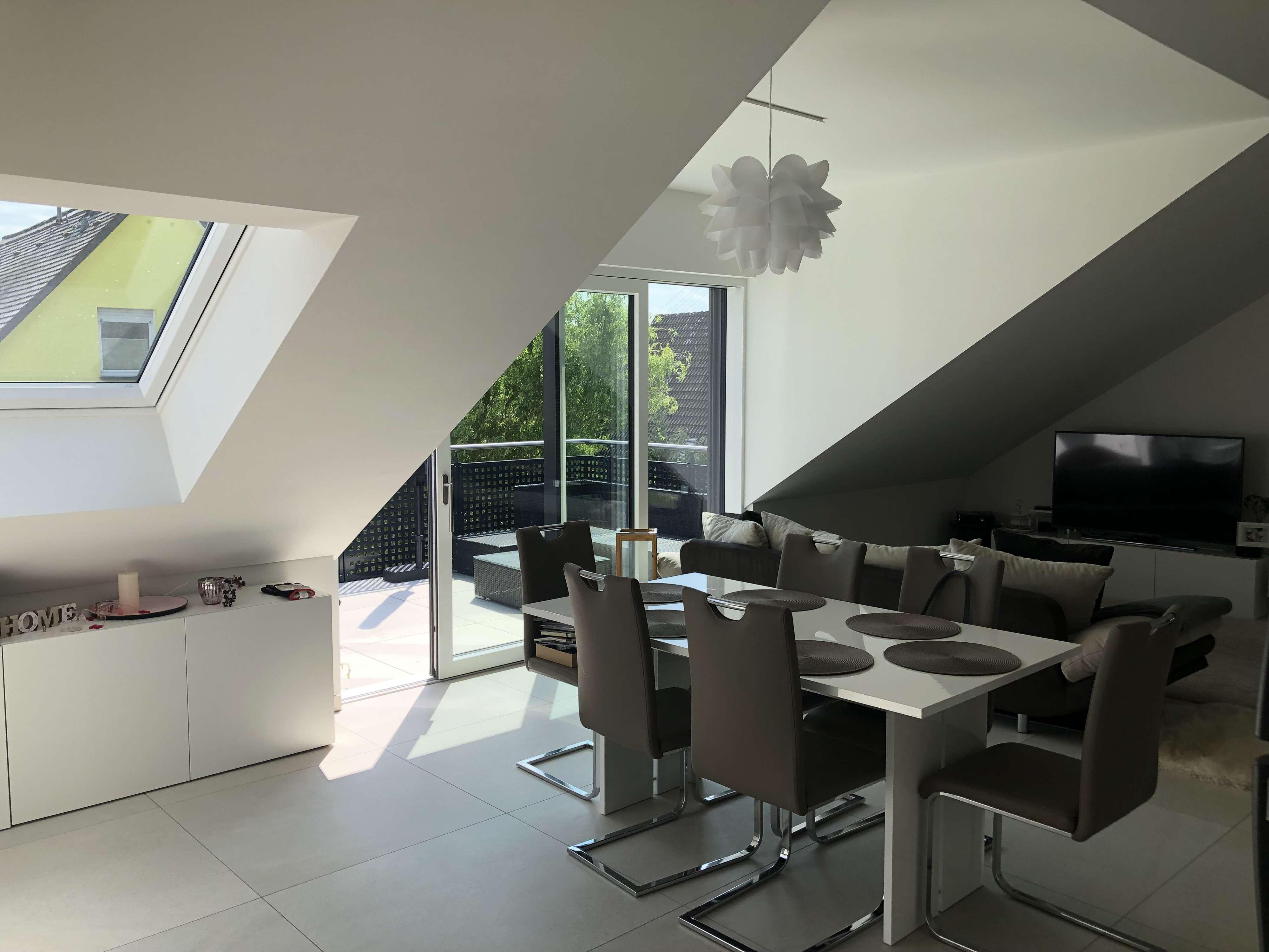 950 €, 77 m², 2 Zimmer