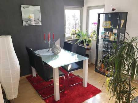 Exklusive, neuwertige 2-Zimmer-Wohnung mit West-Loggia und Einbauküche in Regensburg in Westenviertel (Regensburg)