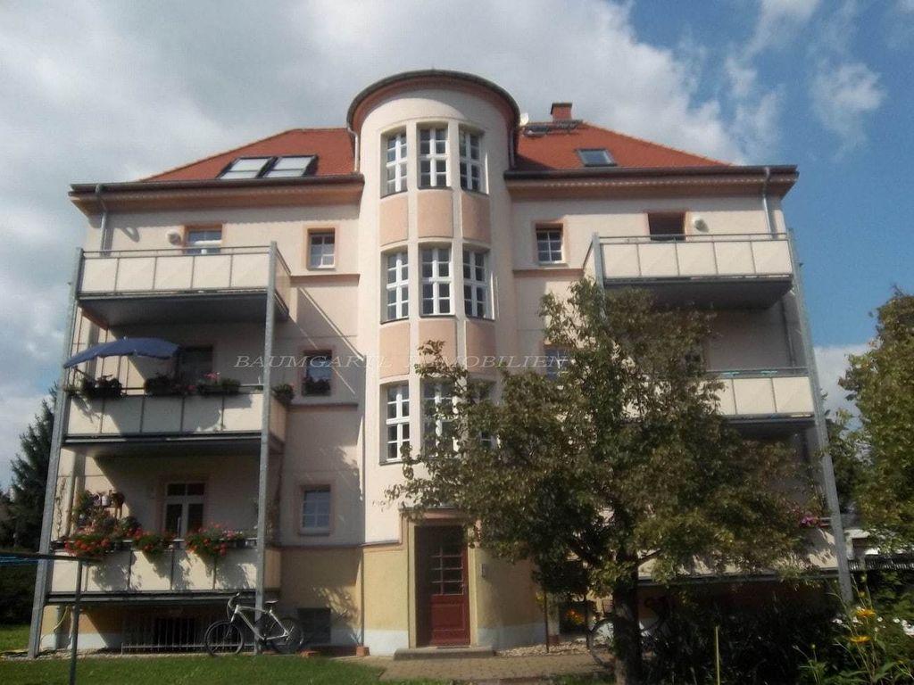 Wohnhaus in Dresden mit Balkon