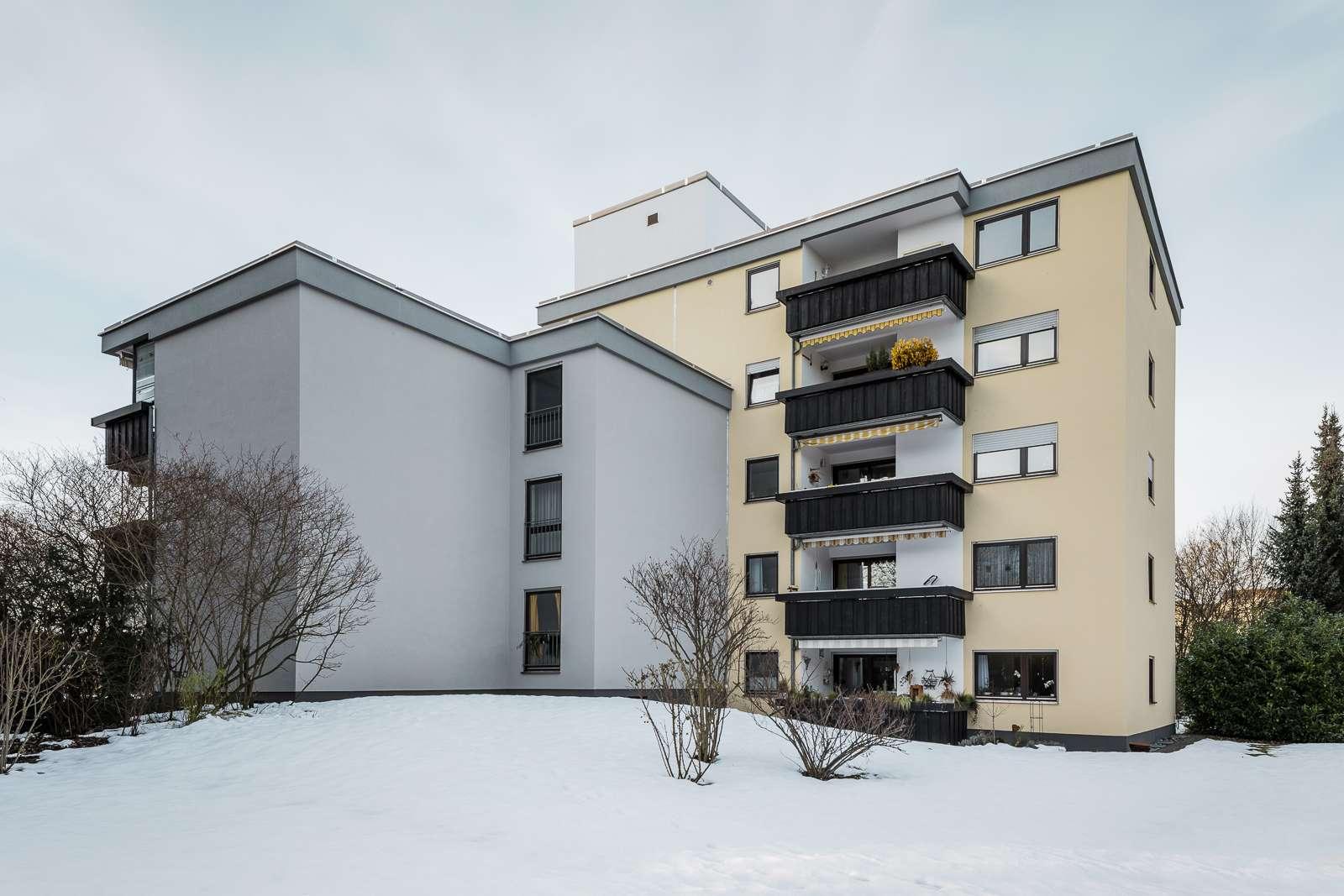 Renovierte 3,5 Zimmer DG-Wohnung in Kaufering in Kaufering