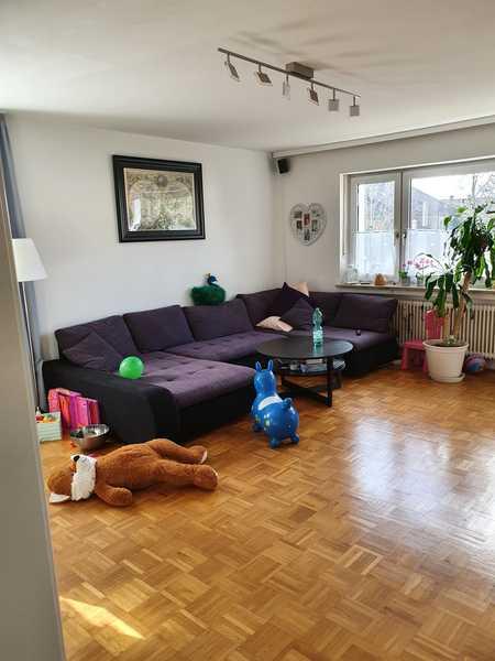 Schöne 4-Zimmer-Etagenwohnung in Forstinning zu vermieten. in Forstinning