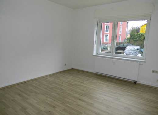 Gemütlich und schön! Renovierte 2,5 EG-Wohnung in TOP Lage!