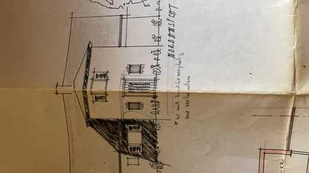Stilvolle, vollständig renovierte 6-Zimmer-Wohnung mit Balkon und EBK in Planegg in Planegg