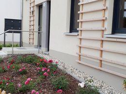 Hauszugang mit Vorgarten