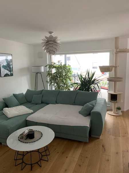 Helle 3-Zimmer-Wohnung mit Terrasse, Garten u. Garage in Geisenhausen