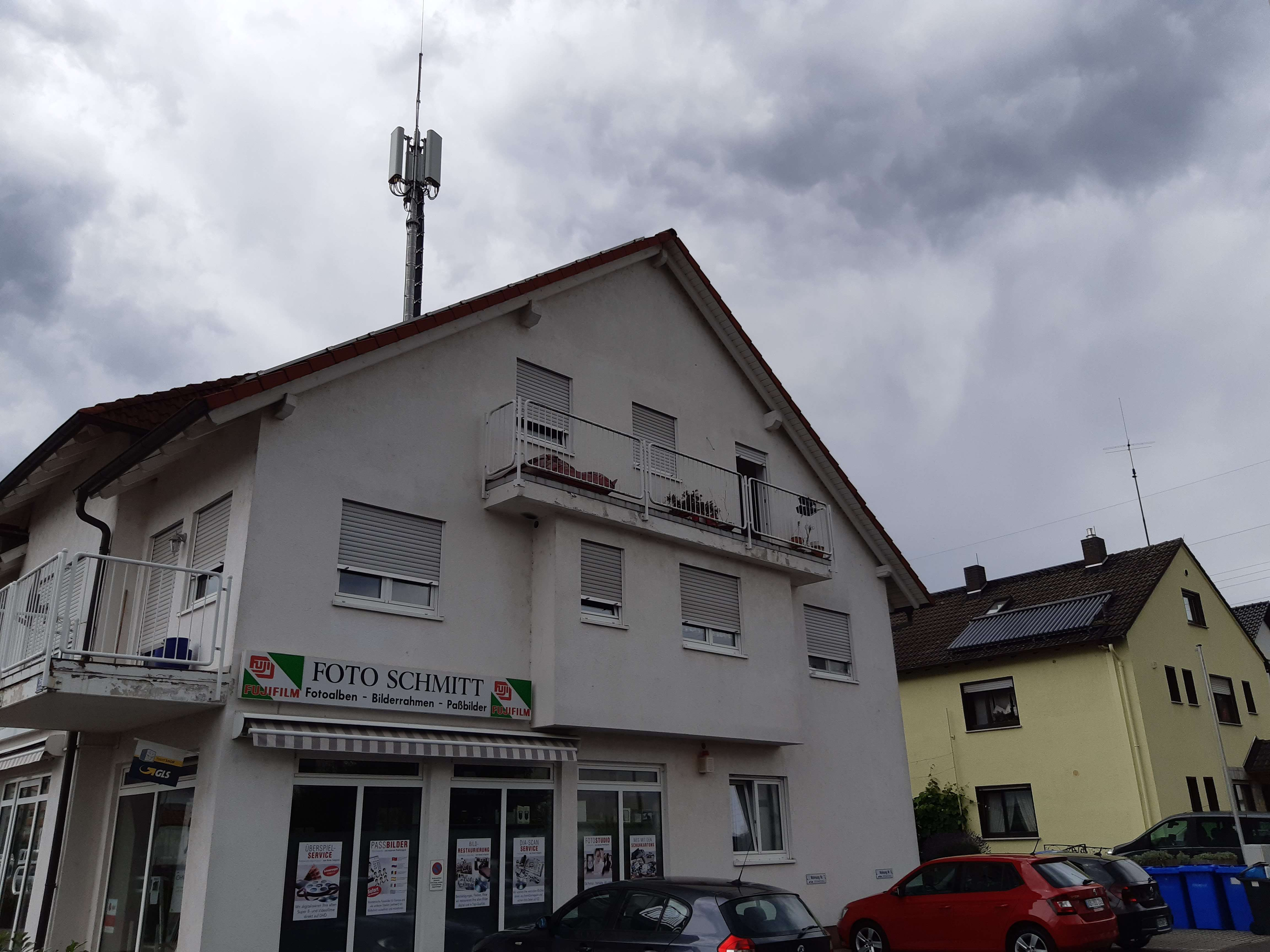 Gepflegte 2-Zimmer-Dachgeschosswohnung mit Balkon in Aschaffenburg (Kreis) in