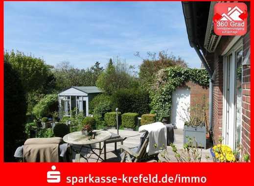 Stilvolle Doppelhaushälfte mit Traumgarten