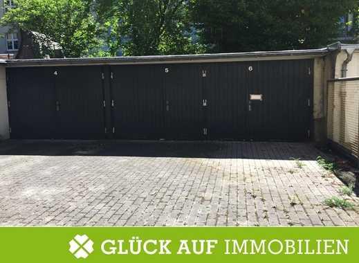Garage für einen kleinen PKW im Hinterhof des Hauses Emillienstr. 15 zu vermieten