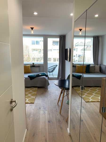 Designer 1 Zimmer Apartment, voll möbliert, Erstbezug n. Sanierung: mit EBK, Balkon, Waschtrockner in Neuhausen (München)